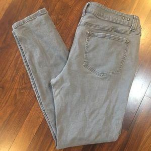 CABI JEANS Light Gray Skinny Jeans